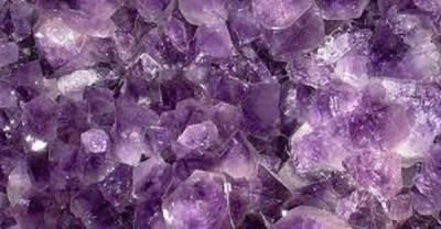 Amatistas Donde se forma Usos Curiosidades La piedra mágica El cuarzo violeta