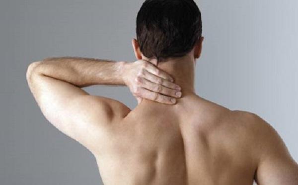 dolor en el cuello lateral derecho