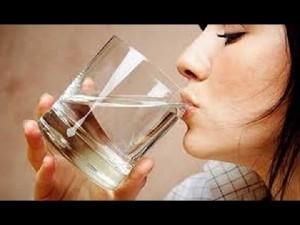 Porqué beber agua en ayunas