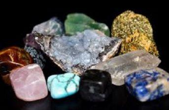 Cristales en reiki libro para bajar Pirámides Drusas Geodas Varas