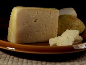 El queso Y otros derivados lácteos Bondades Riesgos Beneficios Trayendo claridad a un tema escondido
