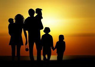 Guía metafísica para la vida familiar Para la mujer Para el hombre Para los hijos