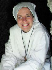 Clare Crockett La monja que conmueve con su historia y el llamado de Jesús Video Ideal para esta pascua