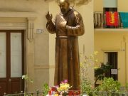 Oración del Padre Pío Así oraba Padre Pío intercediendo por los demás