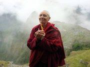 Monja budista enseña todo lo aprendido Del Himalaya al mundo